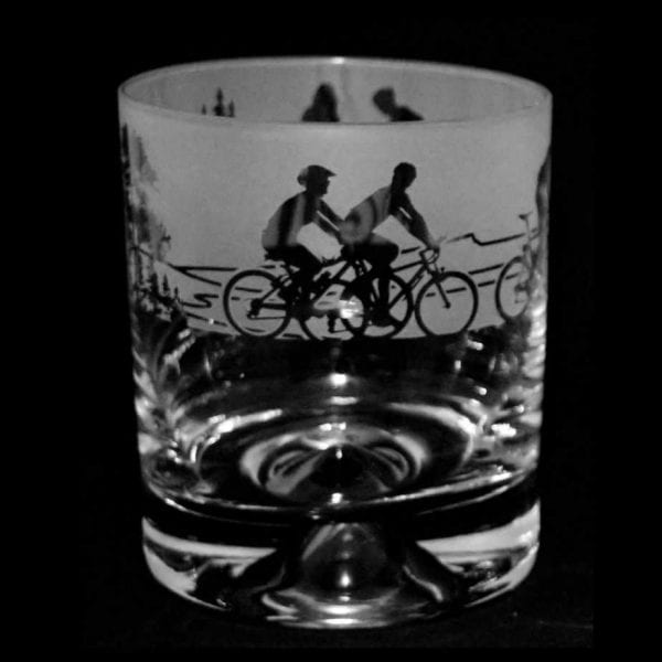 Cycling-scene-etched-glass-whisky-tumbler