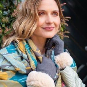 winter-garden-printed-scarf-slate-lady