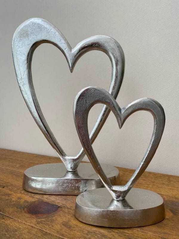 silver-hearts-on-stand-small-large