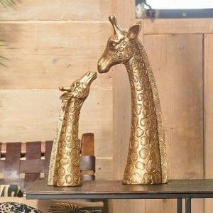 parlane-gold-kissing-mum-baby-giraffe-heads