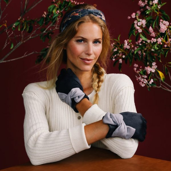 henrietta-faux-suede-gloves-charcoal-slate-set